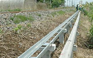 写真:トラフ橋